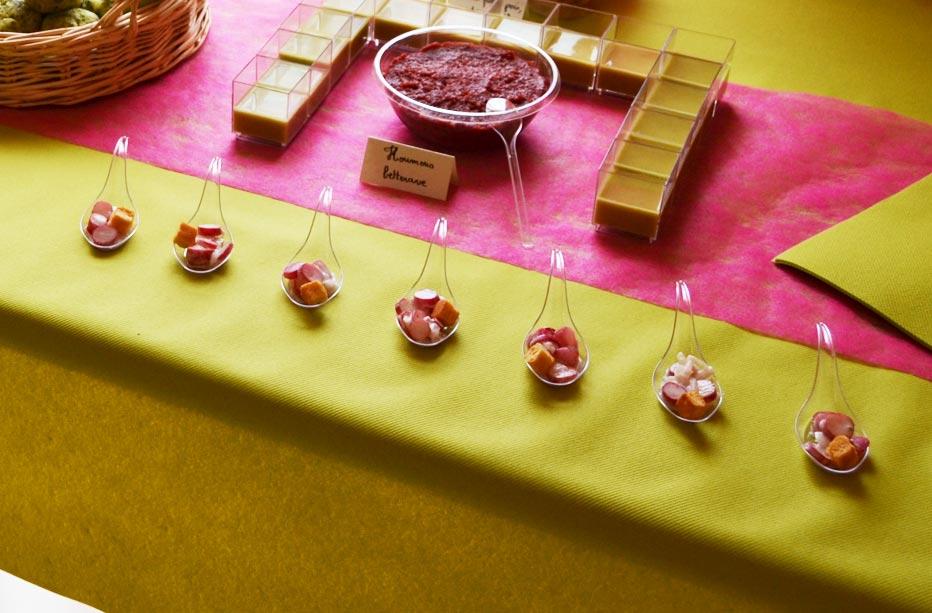 Cuillères apéritives aux radis roses