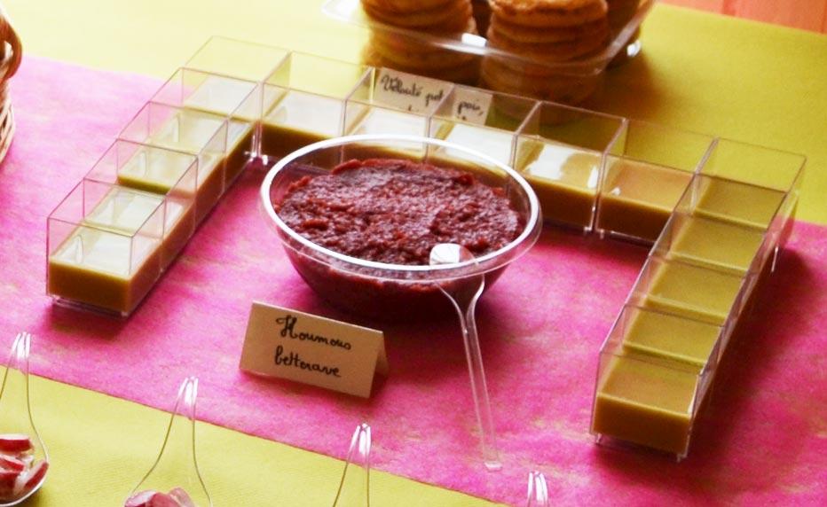 Verrines de velouté de petits pois au wasabi et à la menthe