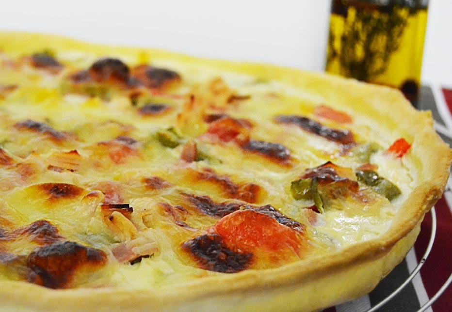 Tarte aux poivrons, maïs, mozzarella et bacon