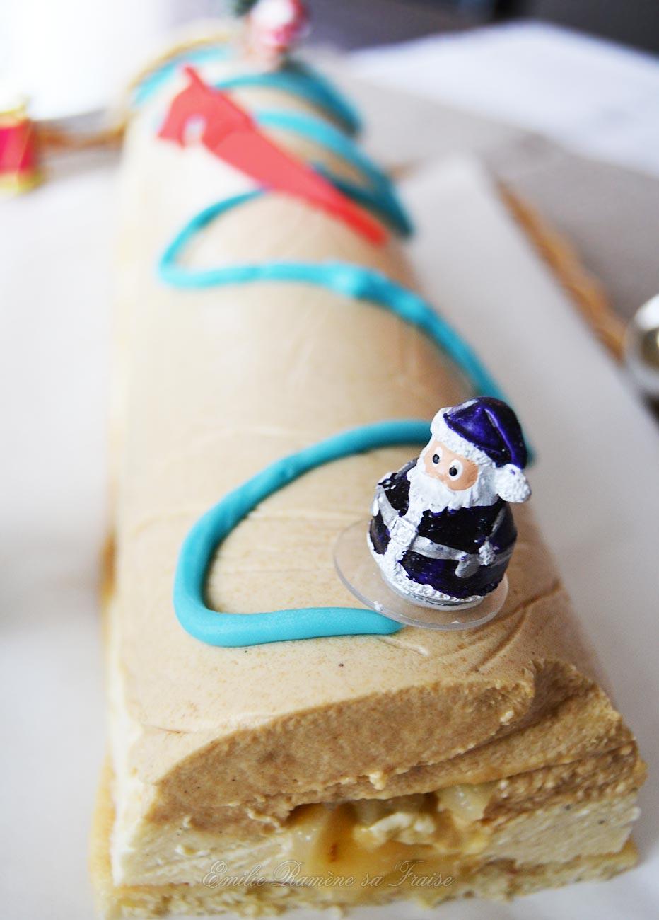 Bûche de Noël spéculoos, poire et vanille