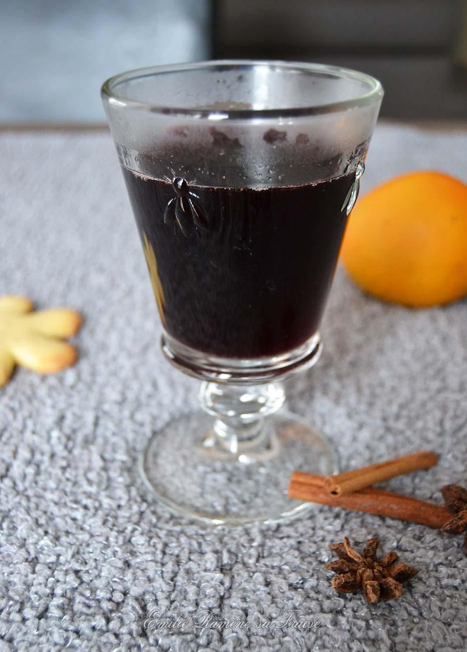 Le délicieux vin chaud aux saveurs épicées de Noël