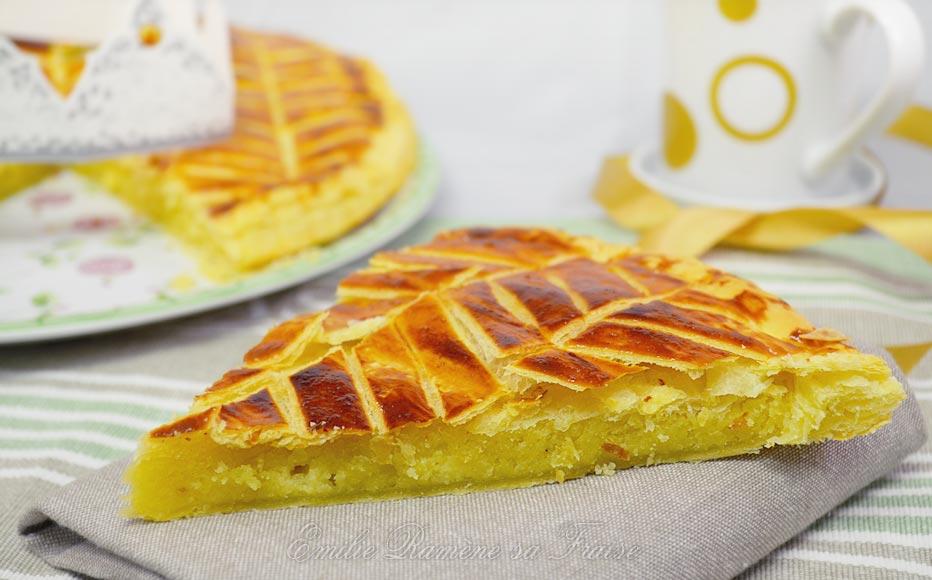 La galette des rois à la crème d'amandes (ou Pithiviers)
