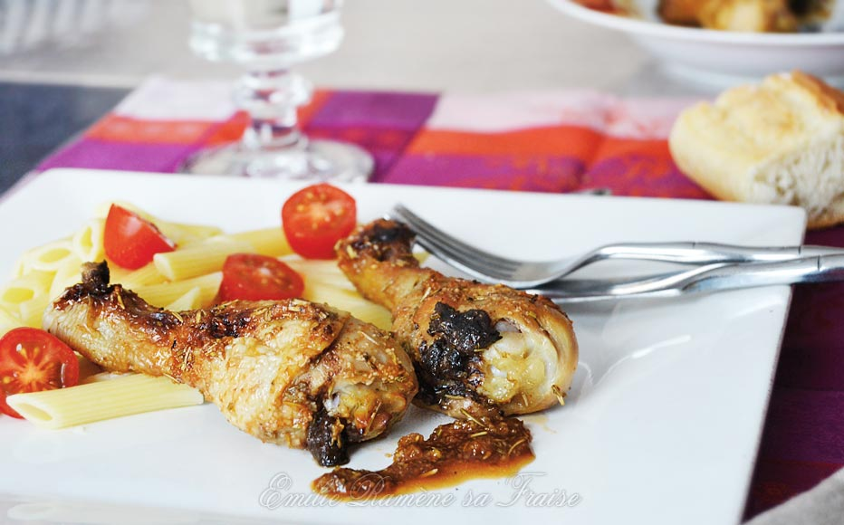 Pilons de poulet laqués au miel et au romarin