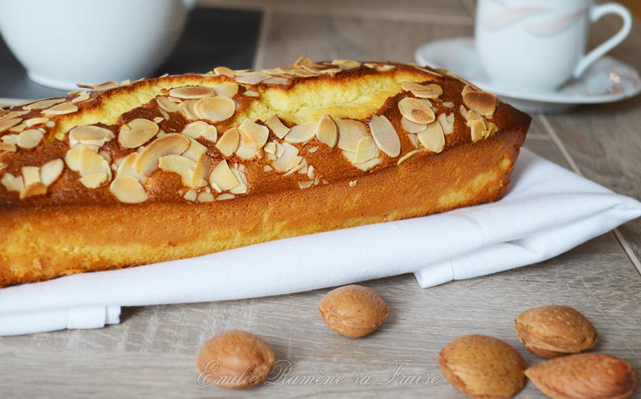 Cake à la pâte d'amandes et à la fleur d'oranger