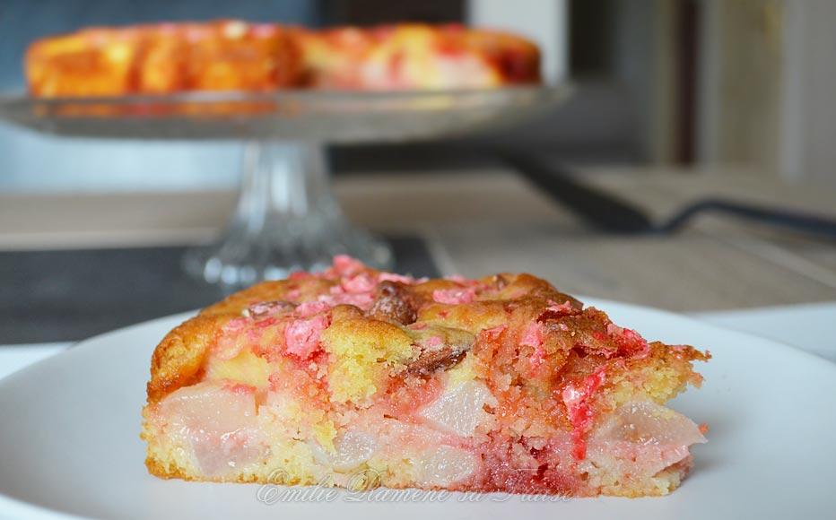 Gâteau lyonnais aux poires et aux pralines roses
