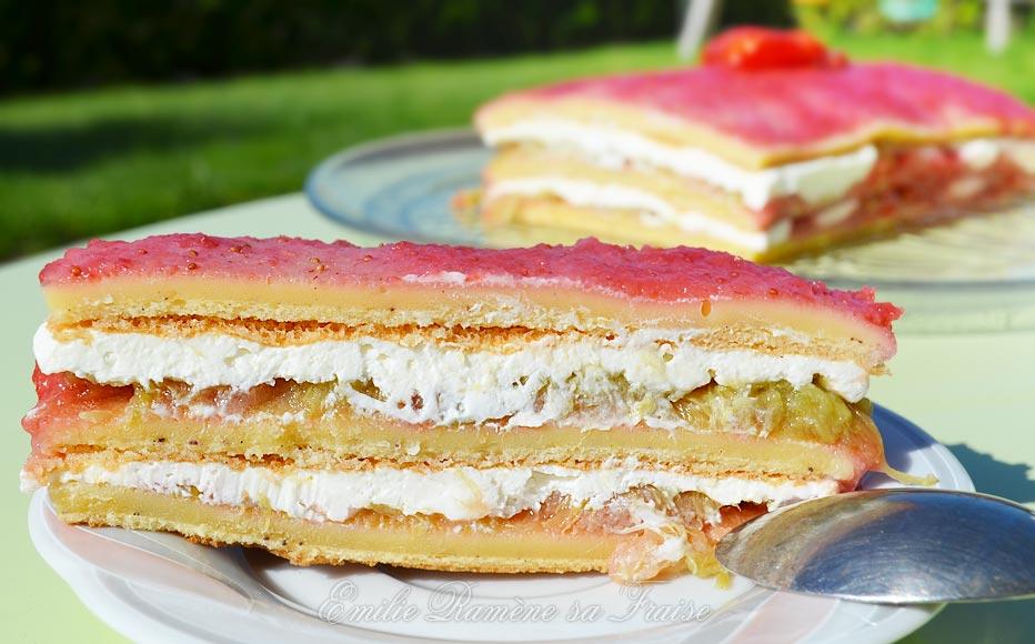 Gâteau vanille, fraise et rhubarbe